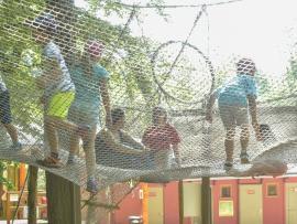 Téfilet, un filet suspendu à 5m du sol de 200m2 au parc Tépacap